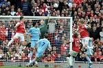 Arsenal - Man Siti